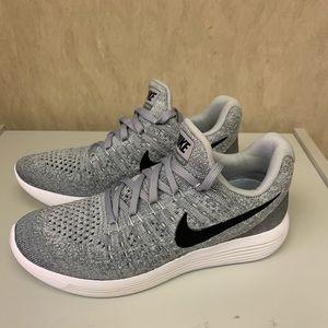 NEW Nike Free RN Run Easy